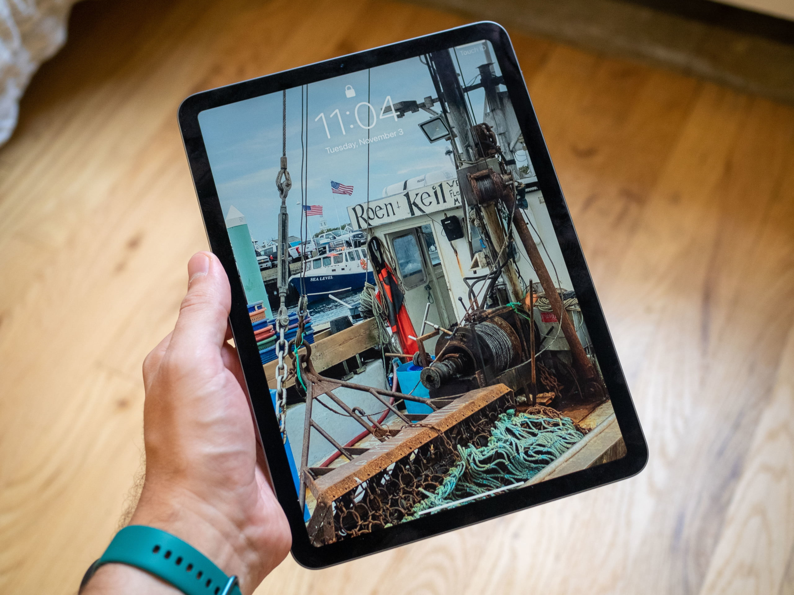 This new Apple iPad Air deal at Amazon is a great way to ...